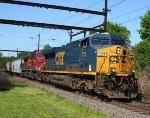 CSX 774, CP 9662 on Q410
